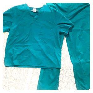 Green medical scrubs set, no brand, size large